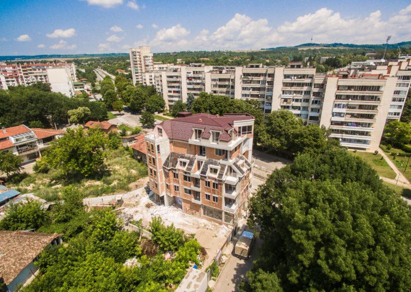 Строяща се с града на ул. Вит, гр. Разград
